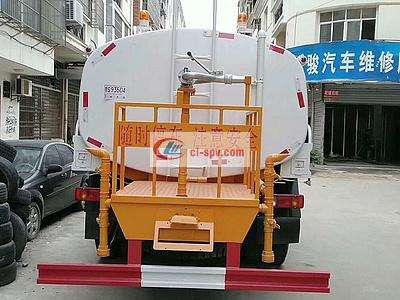 最便宜的东风12吨洒水车玉柴160马力图片