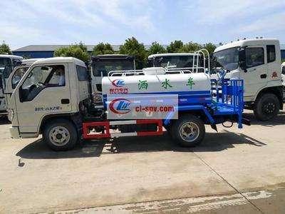 国五东风5吨绿化洒水车图片
