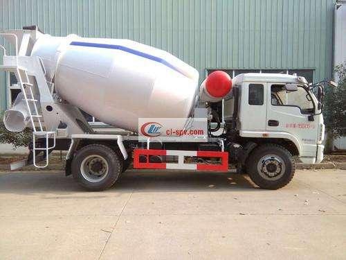Yuejin 5 square concrete mixer truck pictures