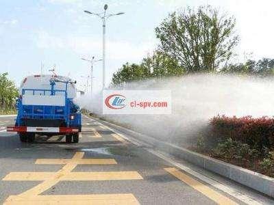 国五东风145 12吨洒水车图片
