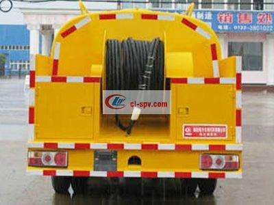 东风轻型4吨高压清洗车图片