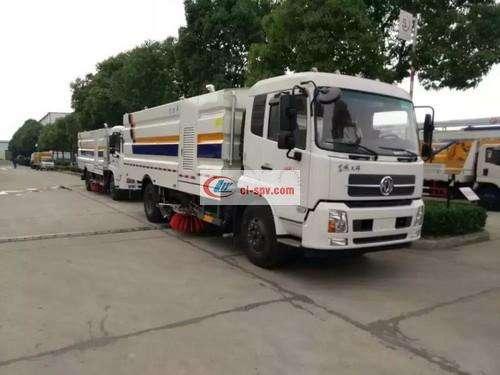 Dongfeng Tianjin State Five 16 Square Washing and Sweeping Truck Picture