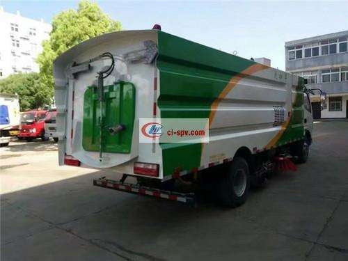 Dongfeng Duolika 10 Ton Sweeping Truck Picture
