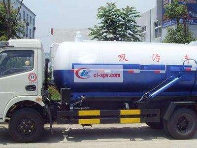 东风多利卡5吨吸污车图片