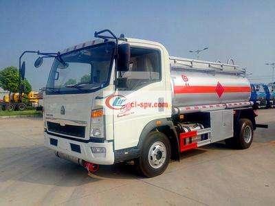 重汽轻卡5吨油罐车图片