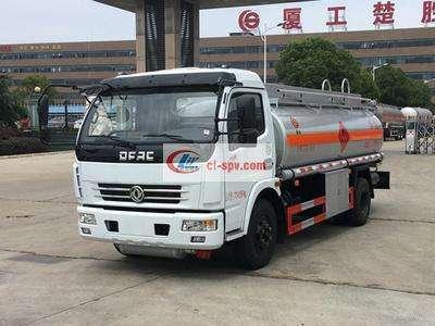 东风多利卡7吨加油车图片