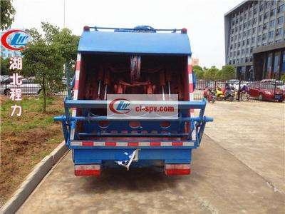 东风多利卡5吨压缩垃圾车图片