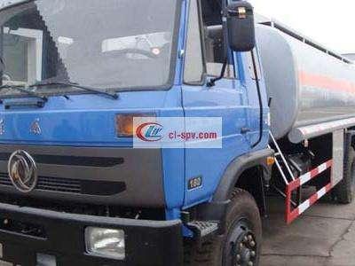 东风不上户12吨油罐车图片