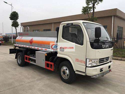 Dongfeng Xiaodolika 2.3 square refueling truck pictures