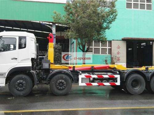 Dongfeng Tianlong 30 tons front four rear eight hook arm garbage truck pictures