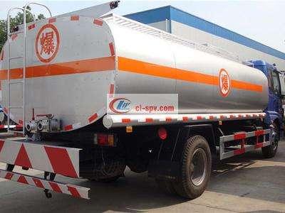 福田欧曼15吨油罐车图片