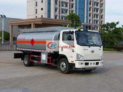 解放虎威8吨油罐车图片