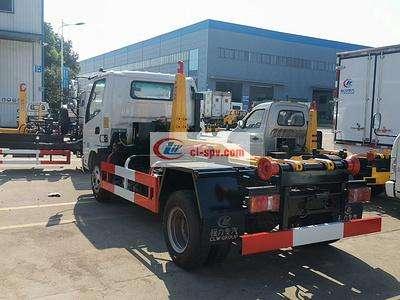3 cbm-4 cbm凯马柴油勾臂垃圾车大马力爬坡首选图片
