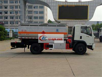 东风御虎8吨油罐车图片