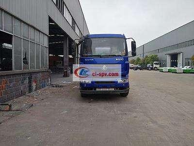 东风柳汽12吨油罐车图片