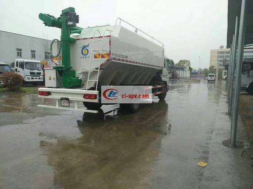 Dongfeng Tianjin Hydraulic Bulk Feed Transport Truck Picture