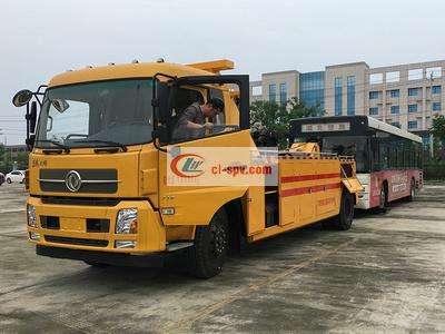 东风天锦拖吊型道路清障车图片