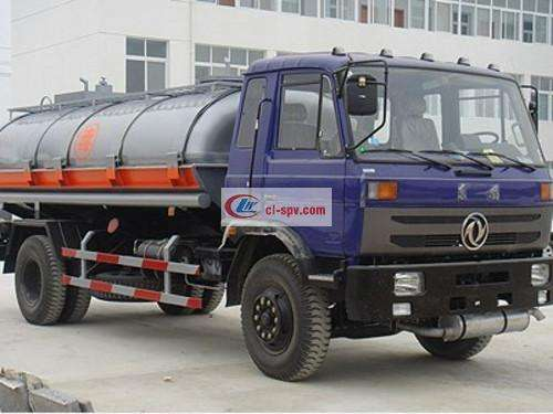 Dongfeng 153 Chemical Liquid Transporter Picture