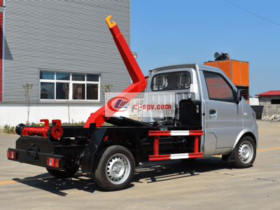 3立方至4立方长安车厢可卸式垃圾车(勾臂车)厂家价格图片