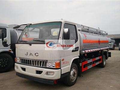 江淮骏铃6吨加油车图片