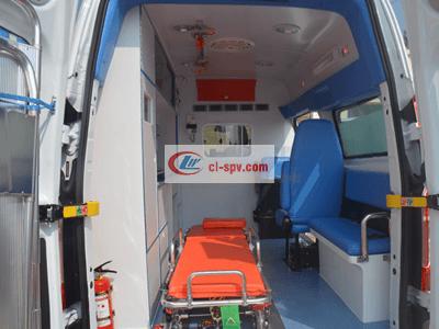福特V362短轴中顶转运型救护车图片