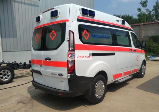 福特V362短轴救护车 (1)