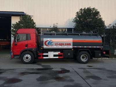 解放10吨油罐车图片