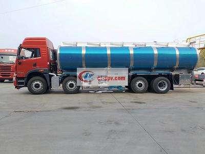 解放悍威前四后六20吨铝合金油罐车图片
