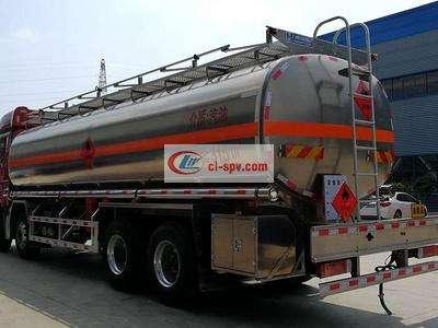 解放前四后八铝合金25吨油罐车图片