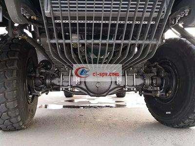 中国重汽四驱10方油罐车图片