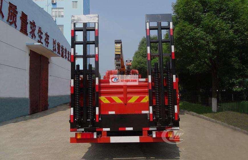 东风天龙前四后八16吨随车吊
