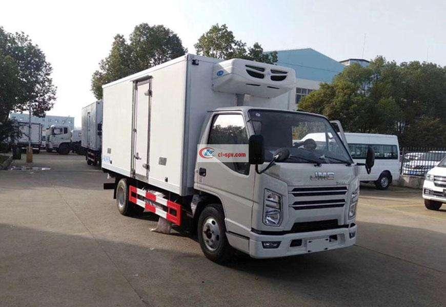 Jiangling refrigerated truck National VI