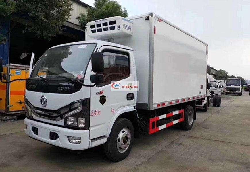Dongfeng Duolika refrigerated truck National VI