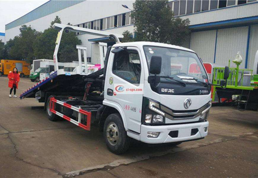 Dongfeng Dolica Blue One-to-Two Wrecker National Six