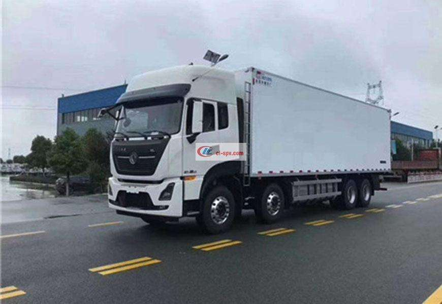 Dongfeng Tianlong first four rear eight refrigerated truck country six