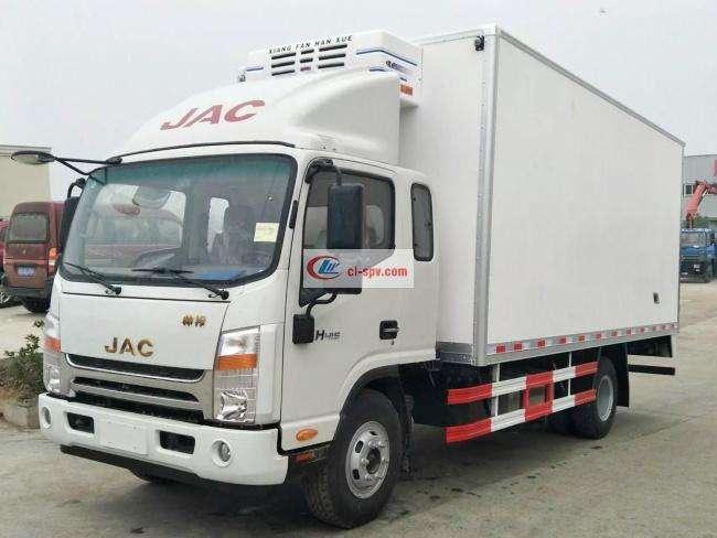 江淮帅铃排半5.2米冷藏车(HFC5100XLCP71K1C6V)