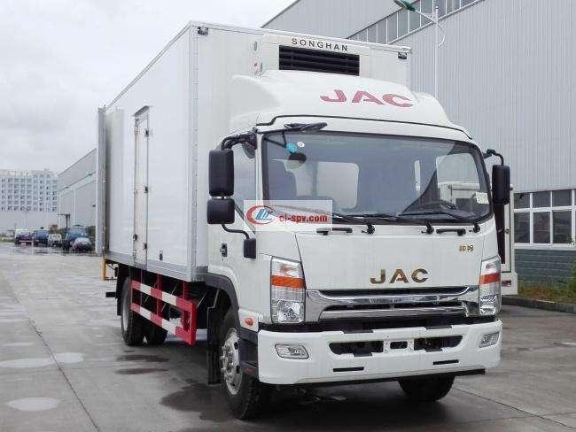 江淮帅铃排半6.2米冷藏车(HFC5101XLCP71K1D4V)
